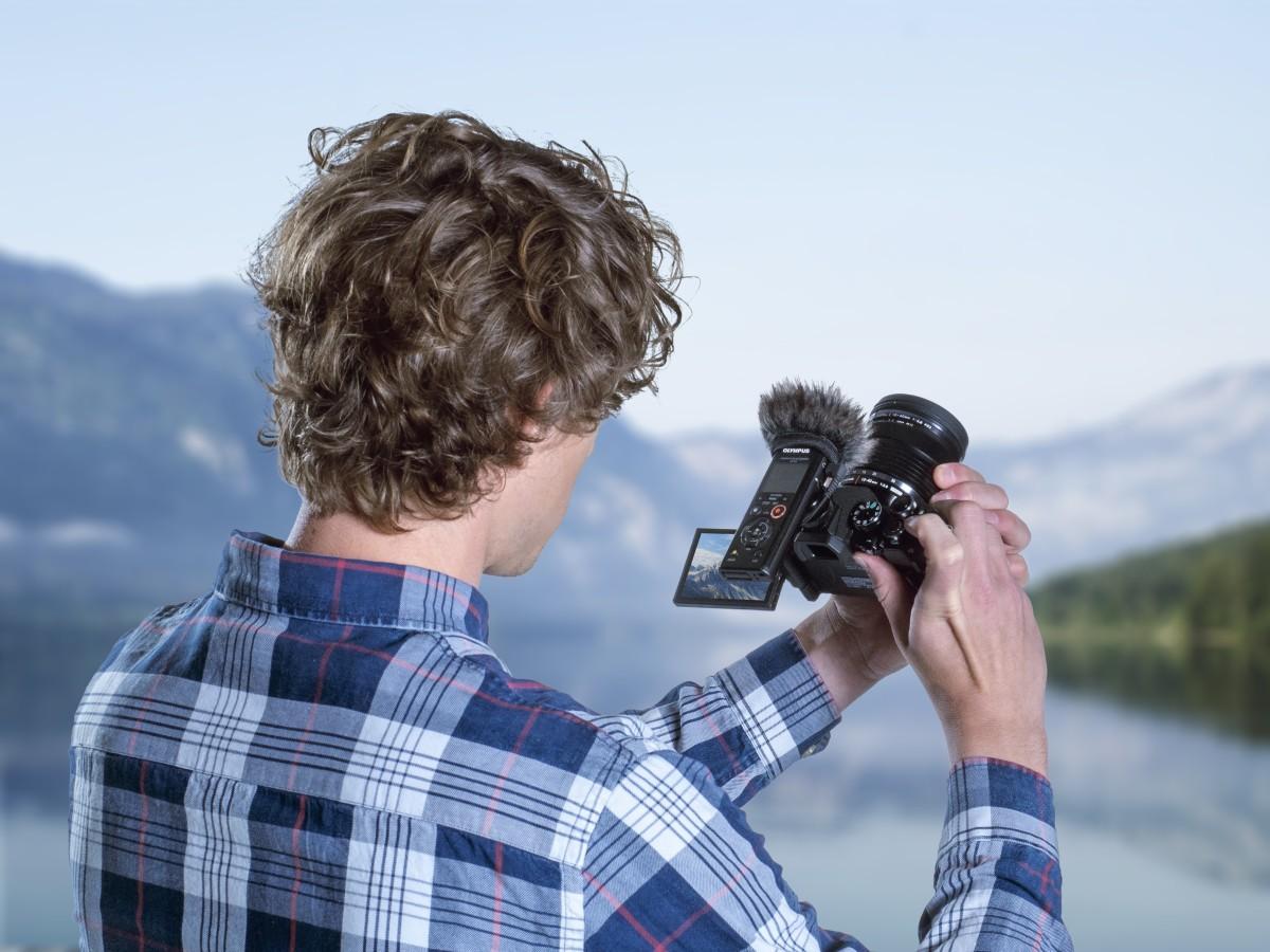 Das Video-Kit enthält relevantes Zubehör für Filmemacher, Vlogger und YouTuber.