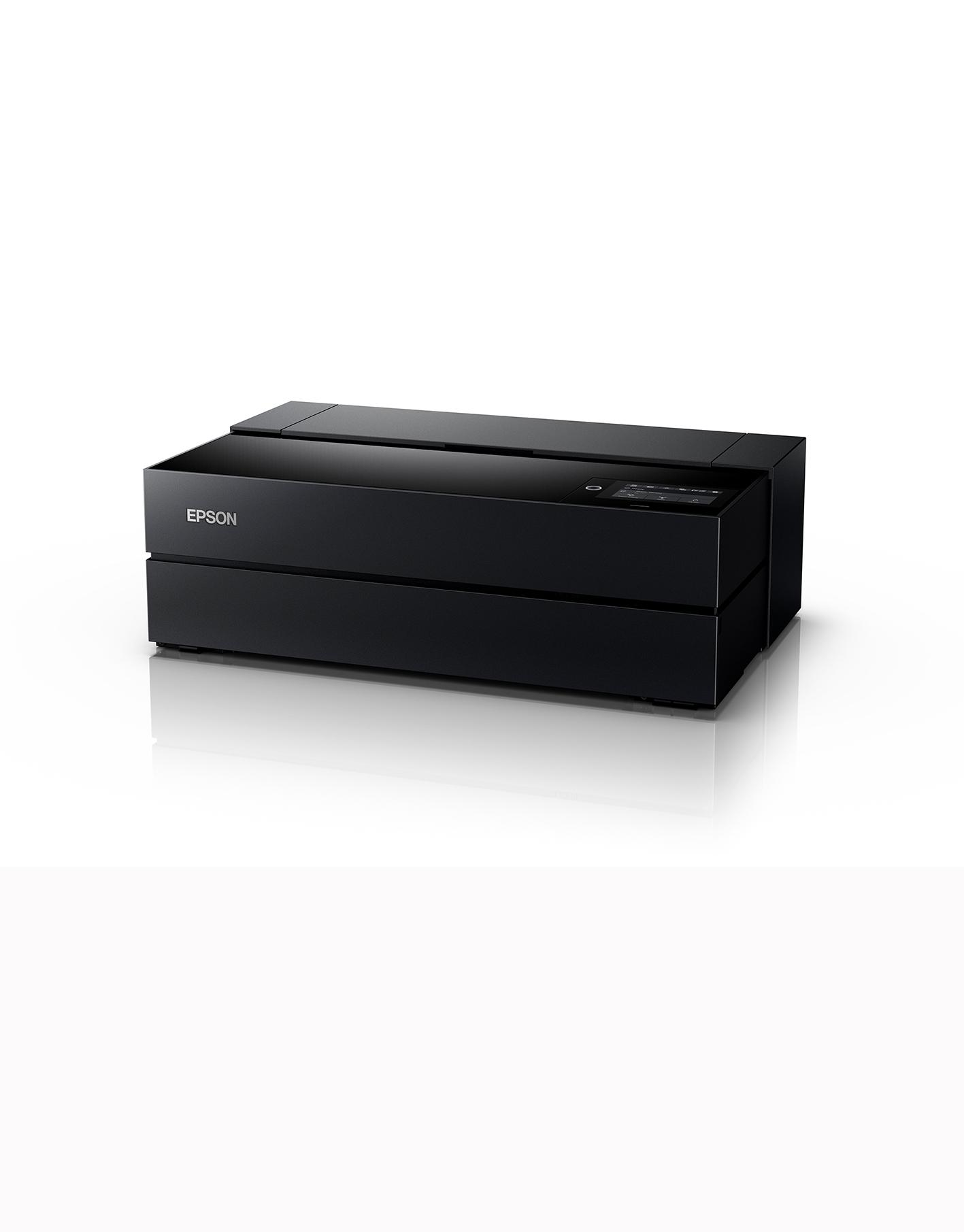 Die beiden neuen Epson SureColor SC-P700 (DIN A3+) und SC-P900 (DIN A2+) erzeugen hochwertige Drucke für anspruchsvolle Fotografen und Künstler.
