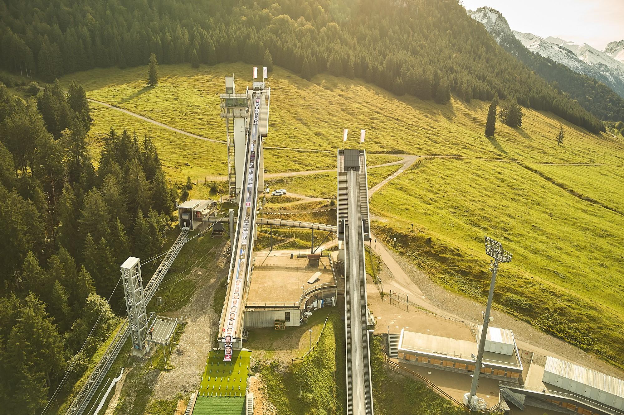 Schattenbergschanze Oberstdorf: Canon druckt längstes digitales Foto der Welt.