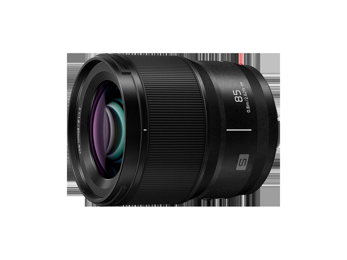 Mit dem LUMIX S 85mm F1.8 erweitert Panasonic das Angebot für die Vollformat-Systemkameras der LUMIX S-Serie. (c) Panasonic