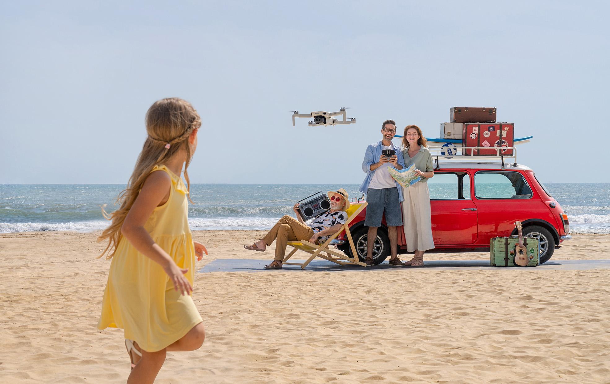 Die DJI Mini 2 ist eine leichte, einfach zu fliegende Drohne mit vielen tollen Funktionen. (c) DJI