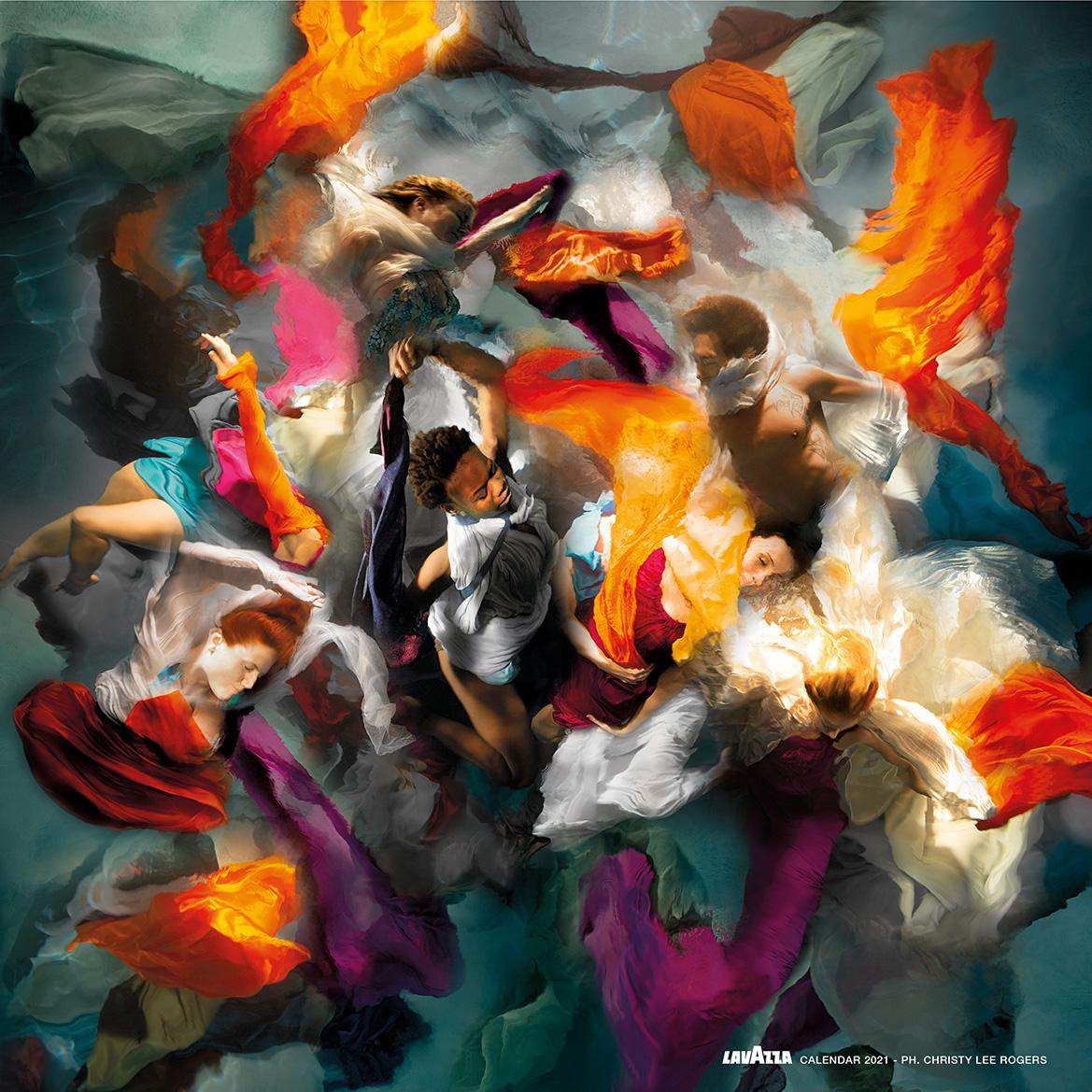 Das Cover des Lavazza Kalenders 2021 zeigt ein Unterwasserfoto der hawaiianischen Fotografin Christy Lee Rogers. (c) Christy Lee Rogers / Lavazza