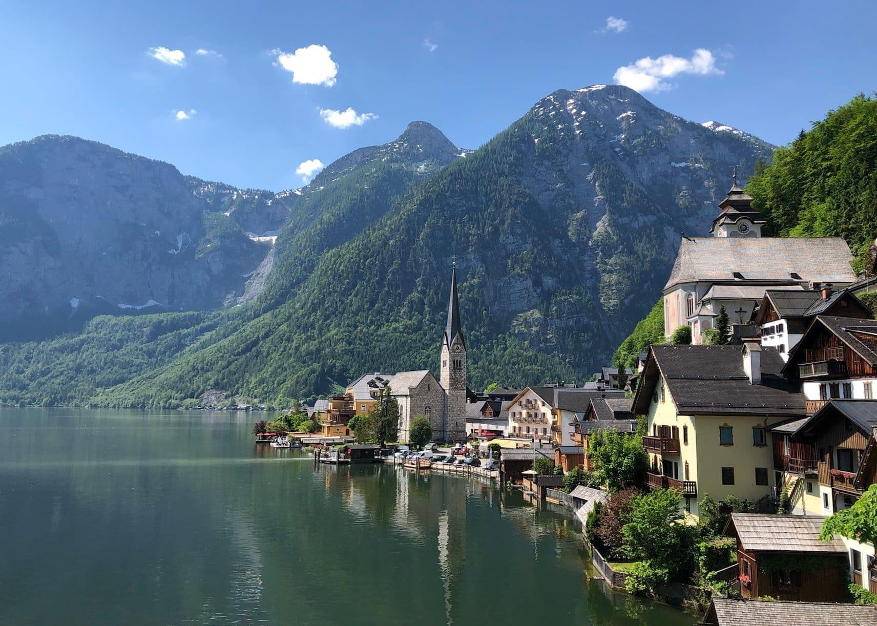 2020 von Österreichern und Österreicherinnen gerne besucht und am meisten fotografiert: Der Hallstätter See. (c) Journi
