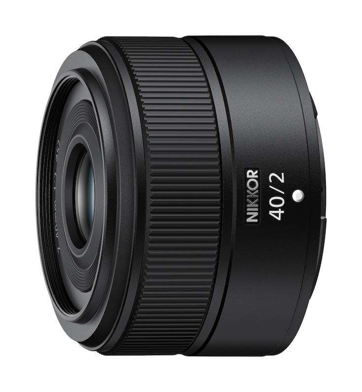 Das NIKKOR Z 40 mm 1:2 ist ein kompaktes und leichtes Festbrennweiten-Objektiv für das Nikon Z-System. (c) Nikon