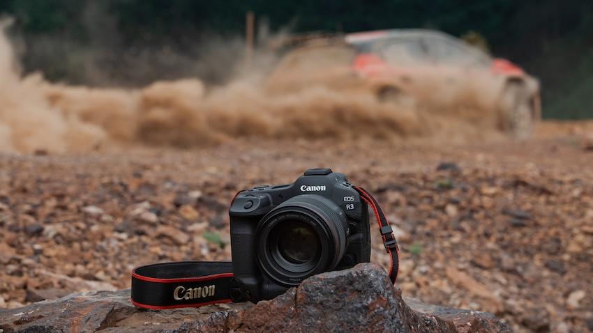Mit der spiegellosen Vollformatkamera EOS R3 verbindet Canon die Zuverlässigkeit und Geschwindigkeit der Canon EOS-1 Serie mit der Innovation und Vielseitigkeit des EOS R Systems. (c) Canon